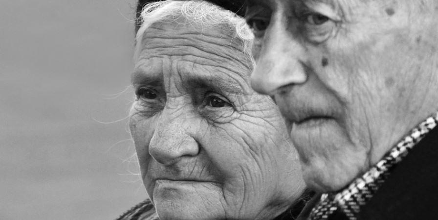 oameni, bunici
